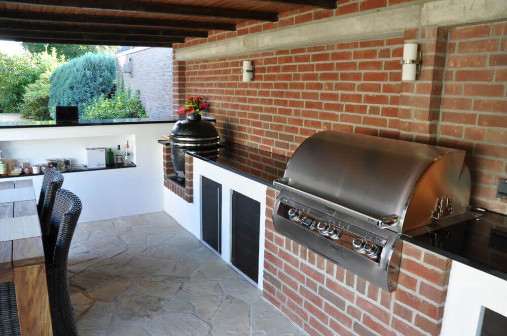 Aussenkuche grill for Grillkuche garten
