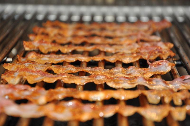 Knusprig gegrillter Bacon Pulled Beef Burger-BCBPBB06-Pulled Beef Burger mit Crispy Bacon