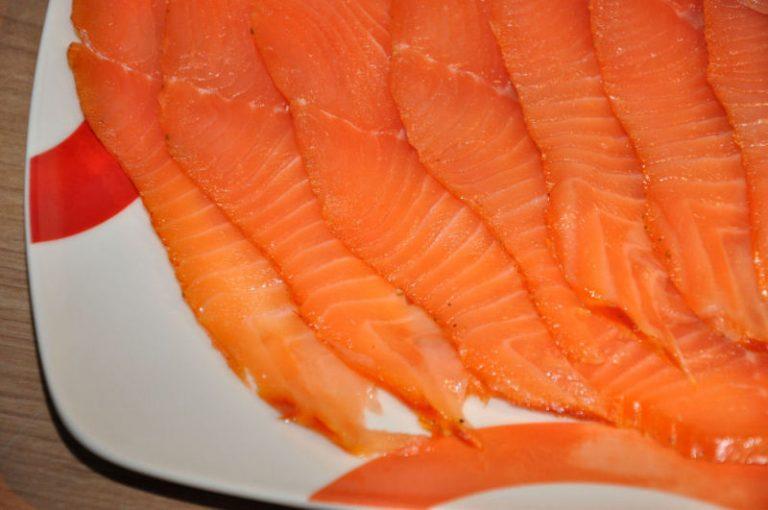 Räucherlachs selber machen – Kaltgeräucherte Lachsfilets