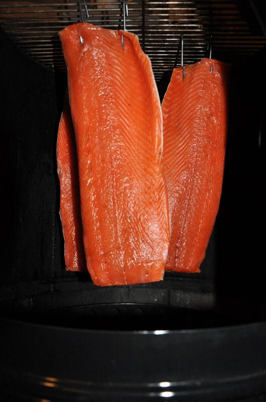 Räucherlachs selber machen räucherlachs-Raeucherlachs05-Räucherlachs selber machen – Kaltgeräucherte Lachsfilets