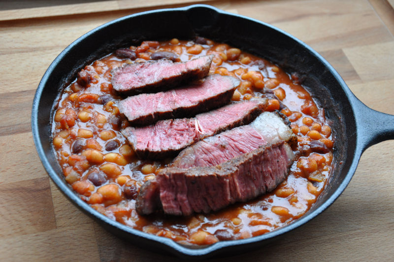 Blackenend Rib-Eye Steak auf BBQ-Beans Blackened Steak-BlackenedSteak11-Blackened Steak