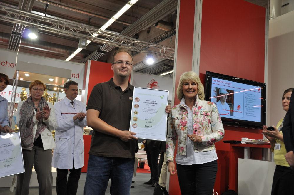 """WursthatZukunft01 Wurstlollie-WursthatZukunft01-Sonderpreis beim Innovationspreis """"Wurst hat Zukunft!"""" für den Wurstlollie"""
