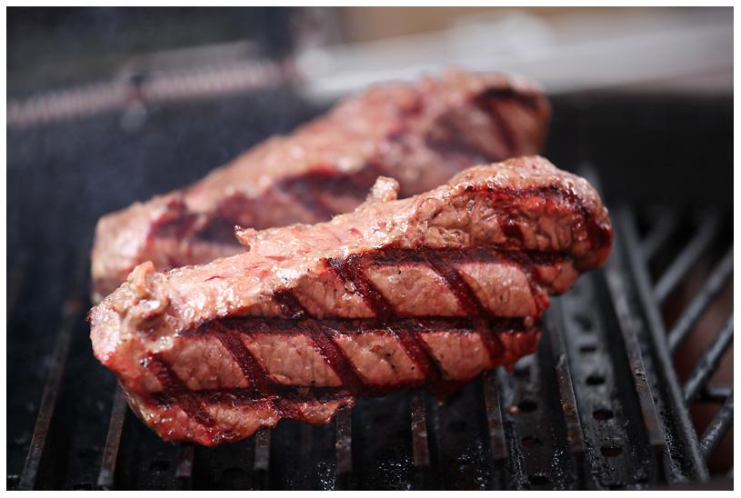 tonystone_samstag_090 tony stone-tonystone samstag 090-1.Platz bei der Tony Stone Low & Slow BBQ Competition für Burger und Steak auf Grill Grates