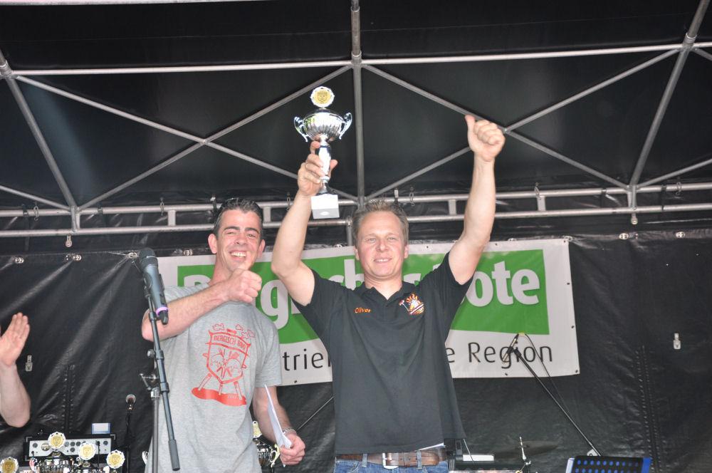 Platz 2 in der Fun & Kreativwertung Bergisch BBQ-BergischBBQ04-Erfolgreiche Teilnahme bei Bergisch BBQ 2013: 4 Pokale für die BBQ Wiesel
