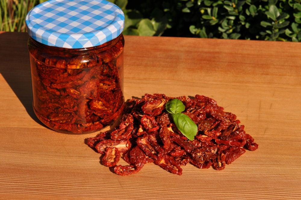 Getrocknete Kirschtomaten Getrocknete Kirschtomaten-GetrockneteTomaten04-Getrocknete Kirschtomaten / eingelegte Tomaten