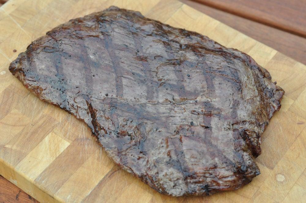 Ruhephase beim Flanksteak flank steak-Flanksteak04-Flank Steak grillen – so gelingt es perfekte