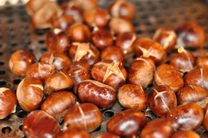 Esskastanien Grillen gegrillte maronen-GegrillteMaronen03 300x199-Gegrillte Maronen – Esskastanien vom Grill
