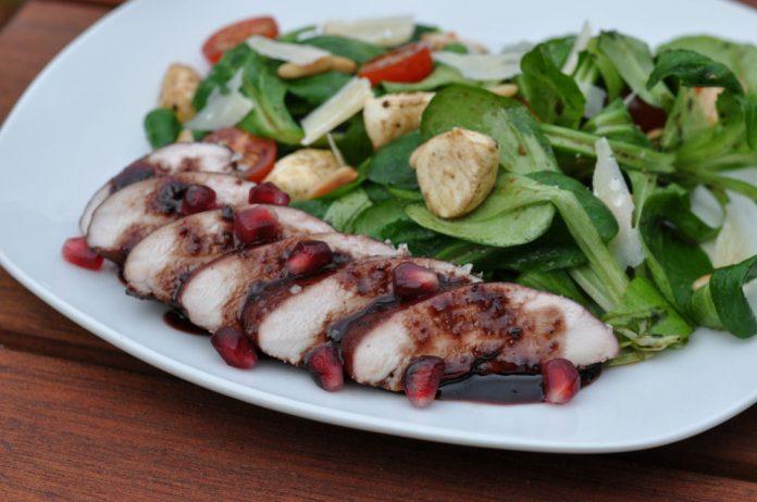 Granatapfel Rotwein Hühnerbrustfilet