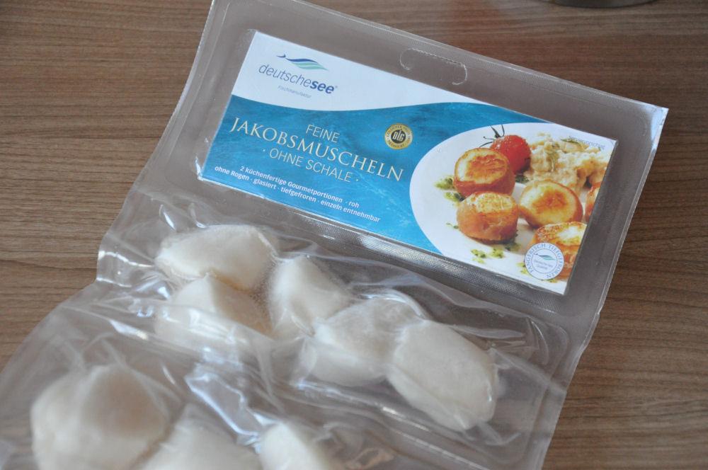 Jakobsmuscheln Jakobsmuscheln-Jakobsmuscheln01-Jakobsmuscheln von der Salzplanke mit Orangen-Feldsalat
