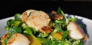 Jakobsmuscheln mit Orangen-Feldsalat