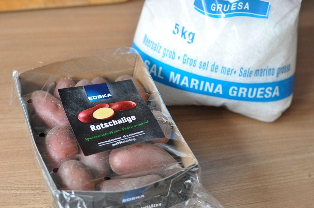 Rotschalige Kartoffeln papas arrugadas-PapasArrugadas01-Papas Arrugadas – kanarische Salz-Schrumpelkartoffeln