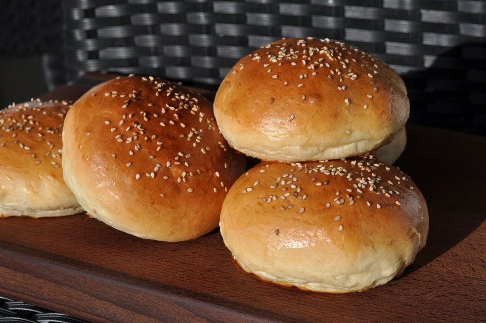 Die perfekten Hamburgerbrötchen hamburgerbrötchen-PerfekteHamburgerbroetchen03-Hamburgerbrötchen – die perfekten Brioche Burger Buns