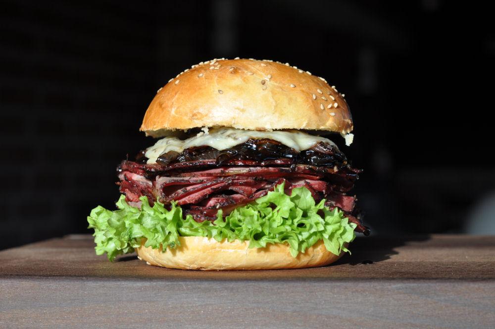 Brisket Burger Brisket Burger-BrisketBurger03-Der ultimative Beef Brisket Burger
