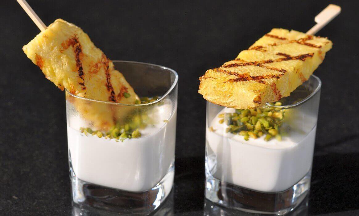 Gegrillte Ananas Mit Pistazien Und Honig Joghurt