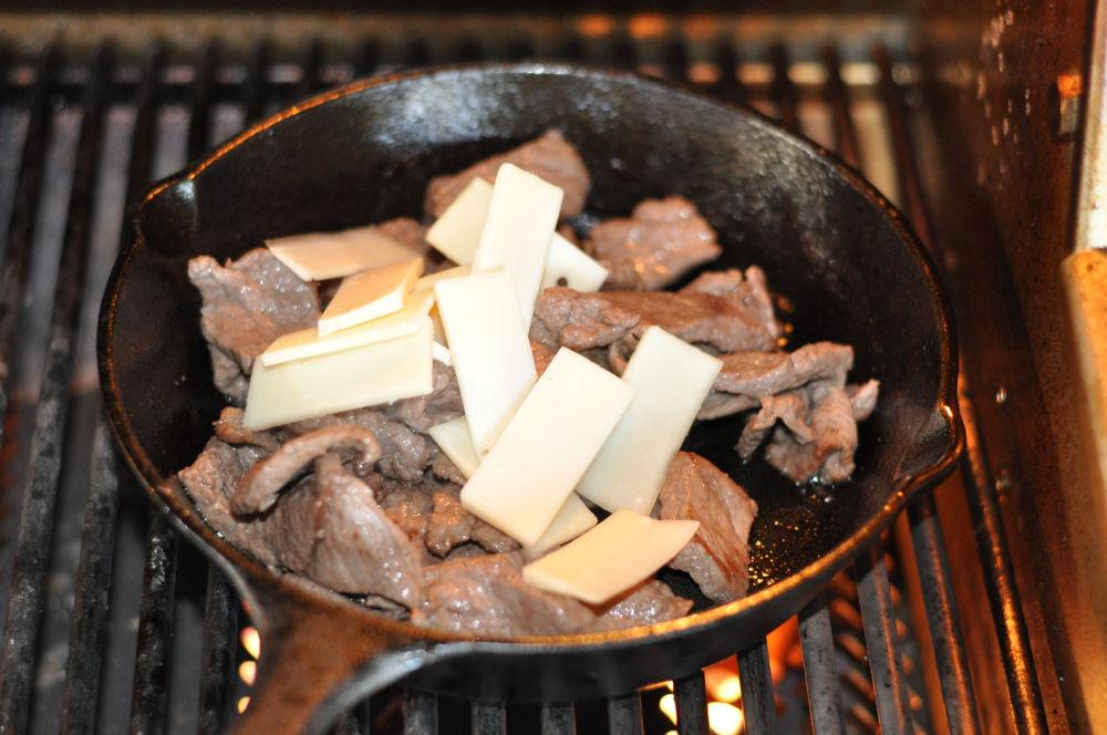 Provolone für Cheesesteak Philly Cheesesteak-PhillyCheesesteak03-Philly Cheesesteak – Philadelphia Steak Sandwich