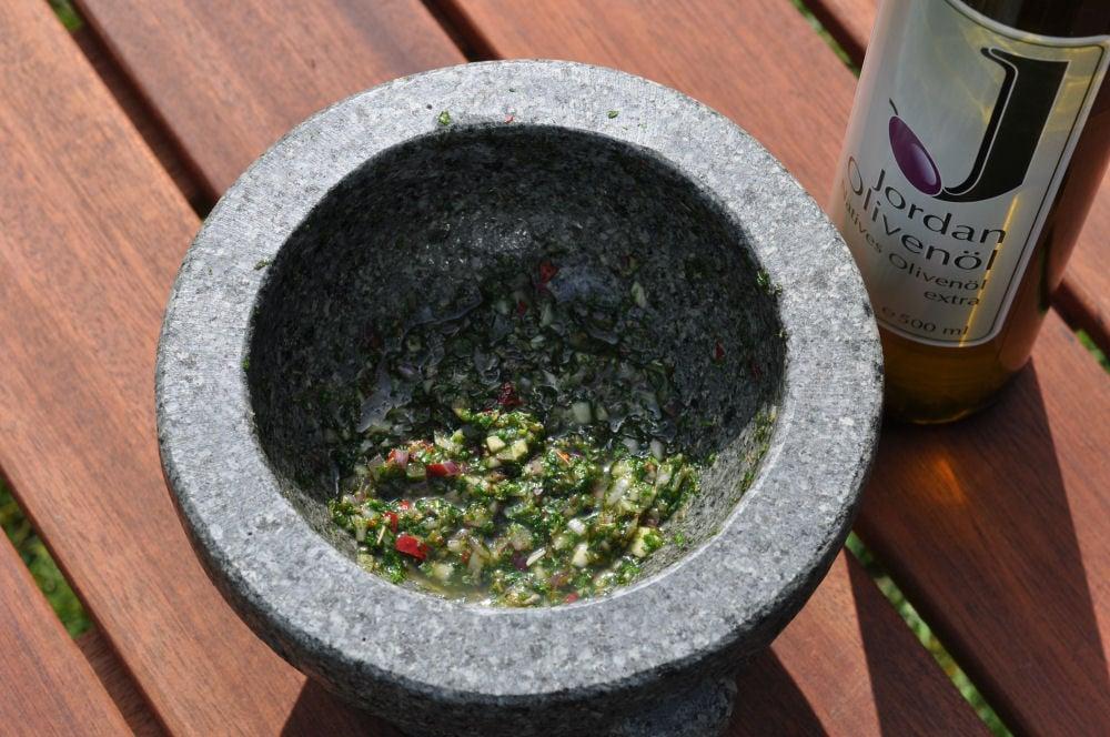 Chimichurri chimichurri-Chimichurri01-Chimichurri – Argentinische Kräutersauce