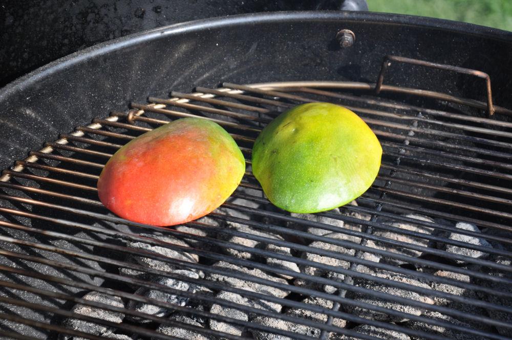 Gegrillte Mango mango-minz-chutney-MangoMinzChutney02-Mango-Minz-Chutney mit Jakobsmuscheln im Speckmantel mango-minz-chutney-MangoMinzChutney02-Mango-Minz-Chutney mit Jakobsmuscheln im Speckmantel
