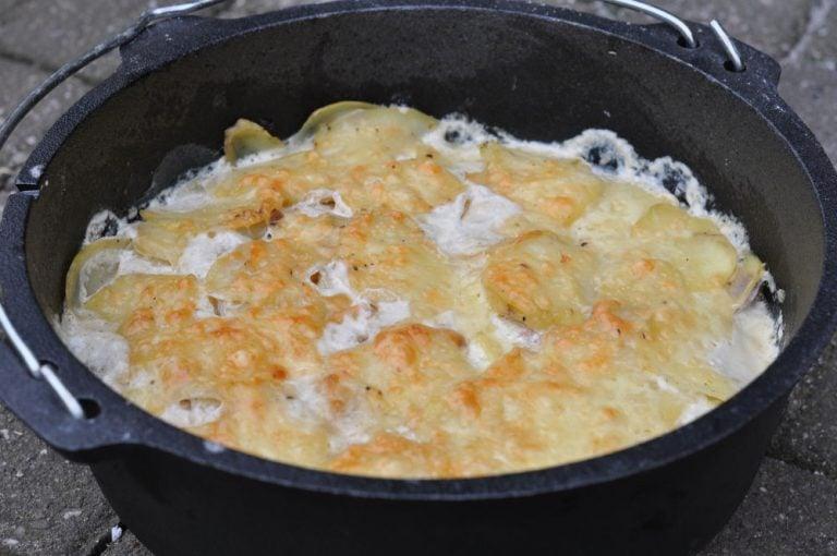Kartoffelgratin aus dem Dutch Oven