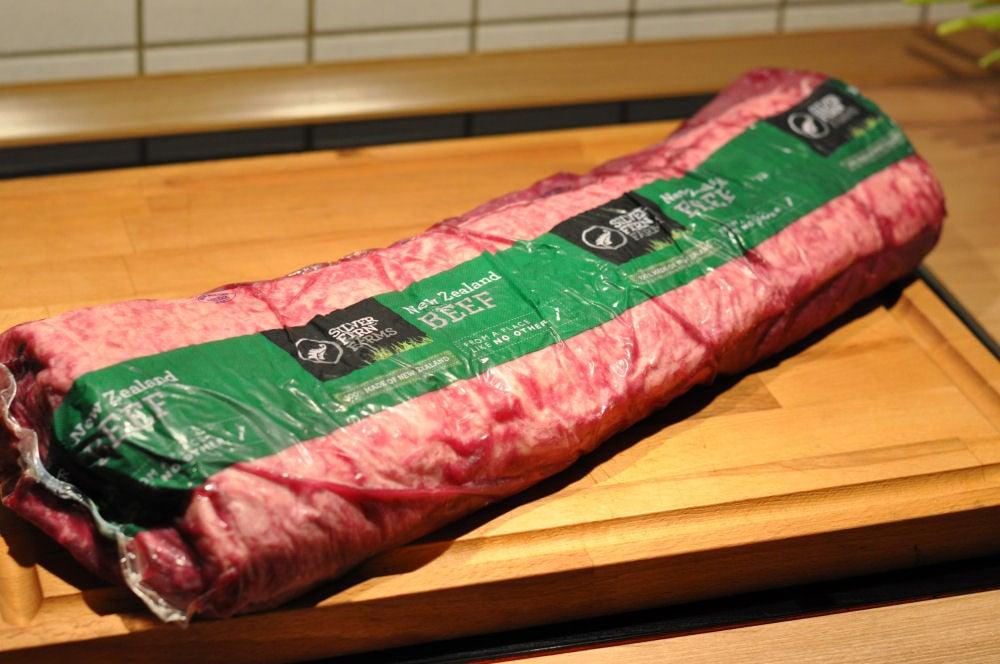 New Zealand Beef roastbeef mit senfkruste-RoastbeefSenfkruste01-Roastbeef mit Senfkruste vom Grill