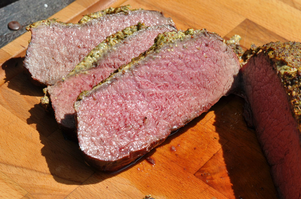 Roastbeef mit Senfkruste roastbeef mit senfkruste-RoastbeefSenfkruste05-Roastbeef mit Senfkruste vom Grill