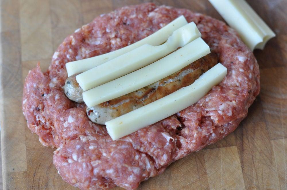 Mini Bacon Bombs mini bacon bombs-MiniBaconBombs02-Mini Bacon Bombs mit Nürnberger und Käse-Füllung