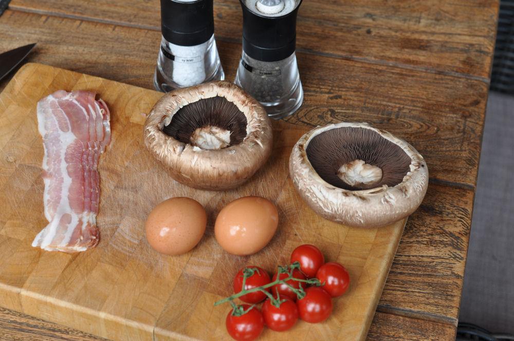 Portobello Champignons Portobello champignons-PortobelloChampignonsEi01-Portobello Champignons gefüllt mit Ei und Bacon
