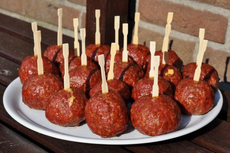 Chili Cheese Balls – Meatballs mit Jalapeno-Käsefüllung
