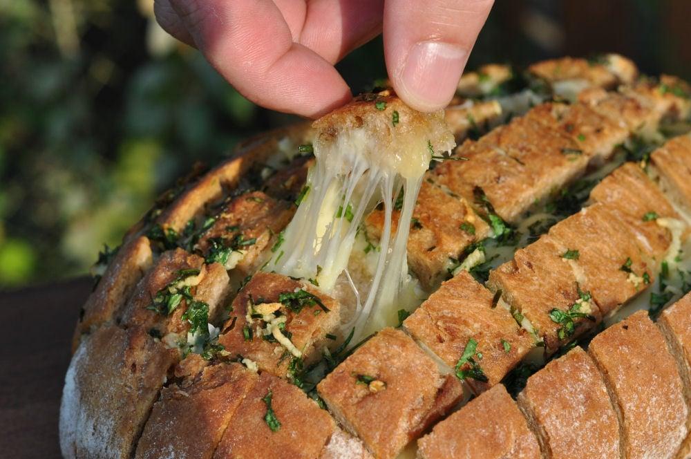 Partybrot käse-zupfbrot-KaseZupfbrot-Käse-Zupfbrot – Partybrot mit Kräutern und Käse