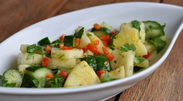 Ananas-Gurkensalat