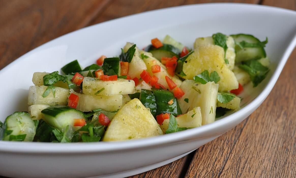 Ananas-Gurkensalat ananas-gurkensalat-Ananas Gurkensalat-Ananas-Gurkensalat mit Limettendressing