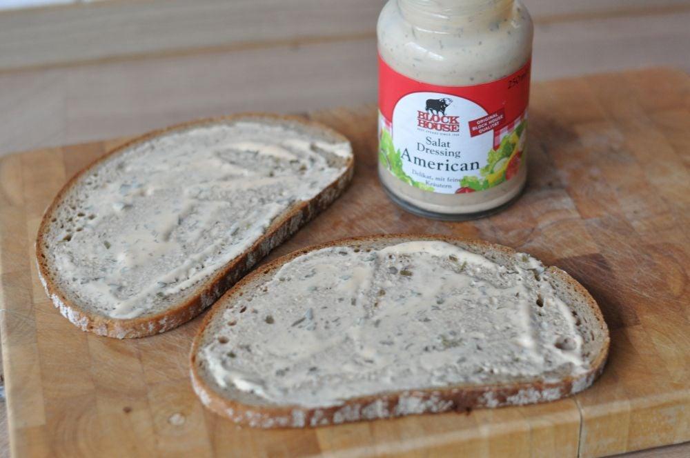 Reuben-Sandwich Reuben-Sandwich-ReubenSandwich04-Reuben-Sandwich mit Pastrami und Sauerkraut