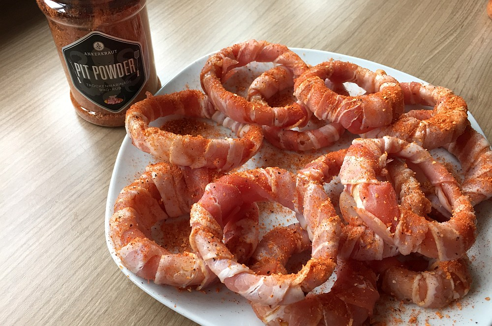 Bacon Onion Rings bacon-zwiebelringe-BaconZwiebelringe03-Bacon-Zwiebelringe / Bacon Onion Rings mit Chili-Dip