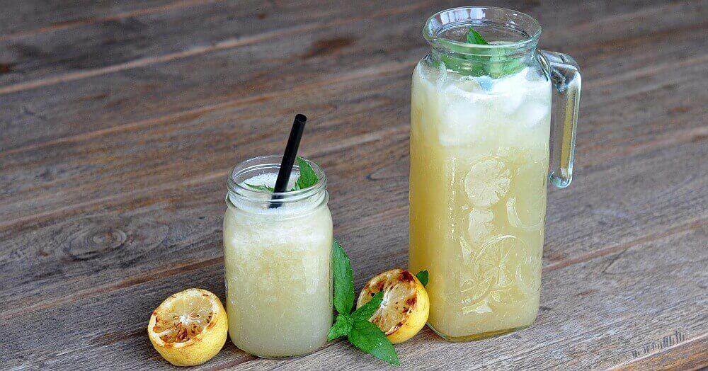 Selbstgemachte Limonade grilled lemonade-GrilledLemonade-Grilled Lemonade / Limonade mit gegrillten Zitronen