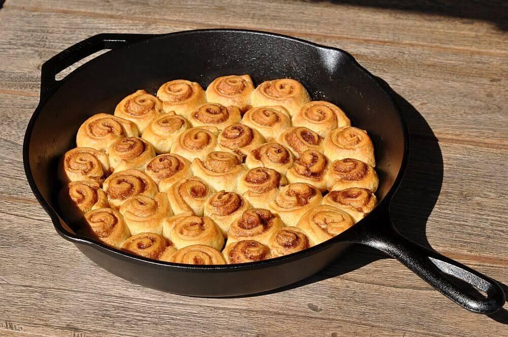 Mini-Croissant-Zimtschnecken mini-croissant-zimtschnecken-MiniCroissantZimtschnecken06-Mini-Croissant-Zimtschnecken aus der Gusspfanne