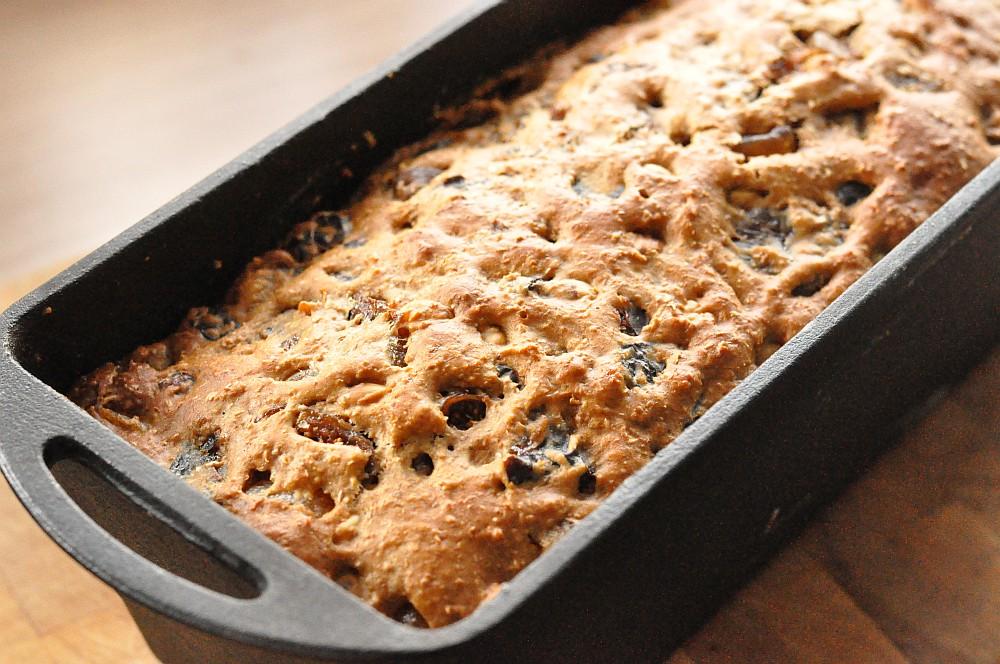 Fruit Bread früchtebrot-Fruechtebrot05-Weihnachtliches Früchtebrot mit Haselnüssen