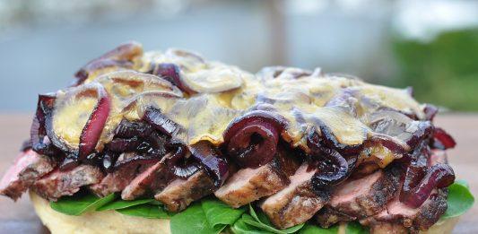 Steak Sandwich [object object]-SteakSandwichueberbacken 533x261-BBQPit.de das Grill- und BBQ-Magazin – Grillblog & Grillrezepte –