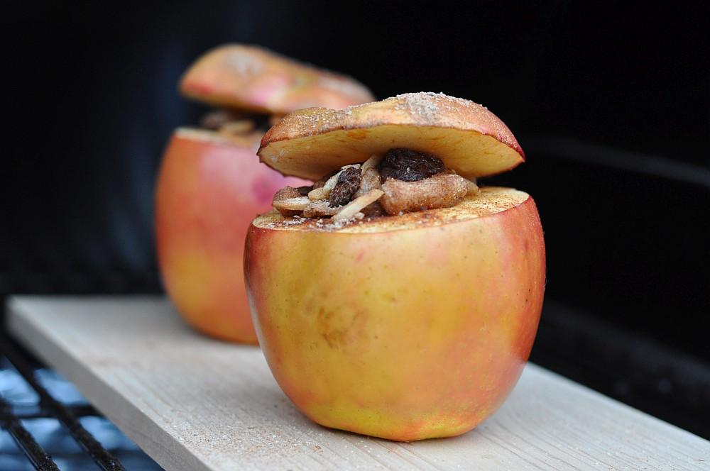 Bratäpfel vom Grill bratäpfel vom grill-BrataepfelvomGrill04-Bratäpfel vom Grill mit Vanillesauce