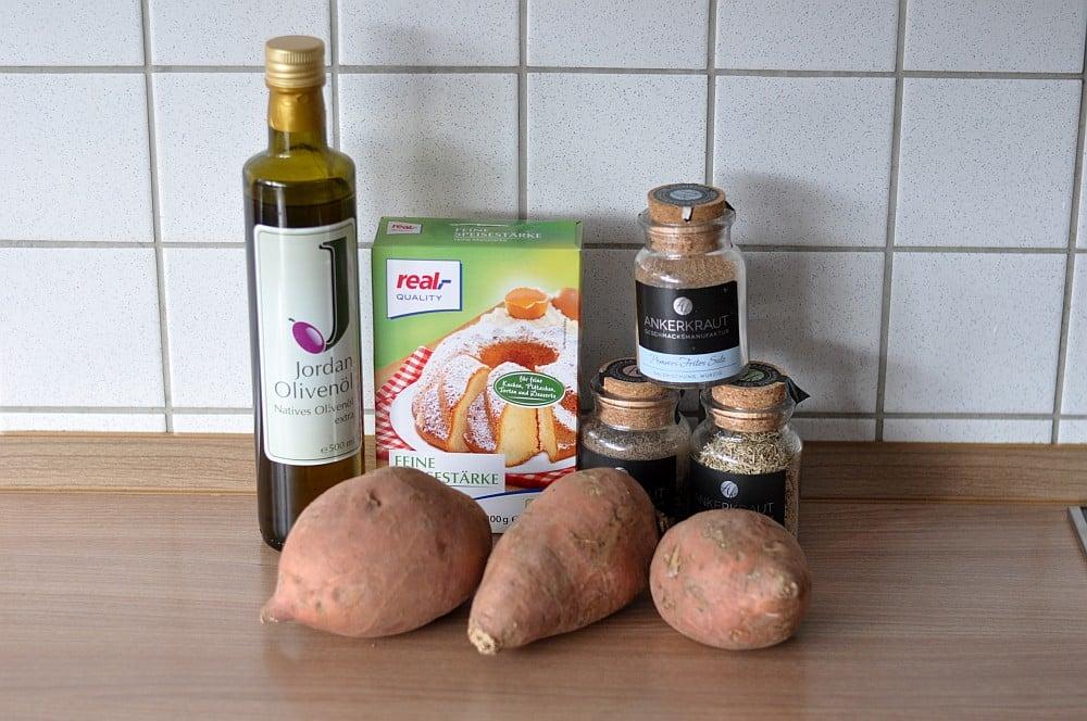 Knusprige Süßkartoffel-Pommes knusprige süßkartoffel-pommes-KnusprigeSuesskartofelpommes01-Süßkartoffel pommes (knusprig) selber machen im Ofen