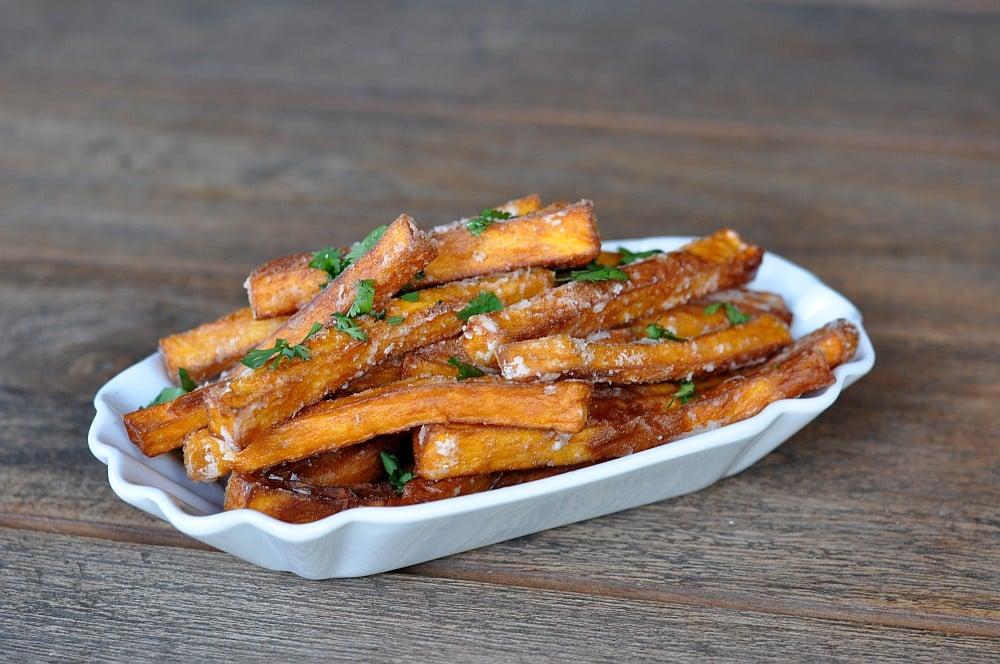 Knusprige Süßkartoffel-Pommes knusprige süßkartoffel-pommes-KnusprigeSuesskartofelpommes10-Süßkartoffel pommes (knusprig) selber machen im Ofen