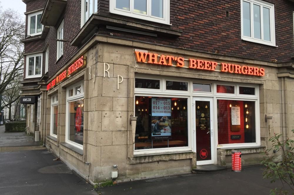 What's Beef Burgers Düsseldorf what's beef-WhatsBeefDuesseldorf01-What's Beef Burgers in Düsseldorf im BBQPit-Burgerbuden-Test