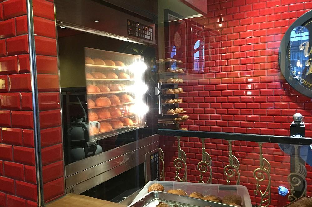 What's Beef Burgers Düsseldorf what's beef-WhatsBeefDuesseldorf06-What's Beef Burgers in Düsseldorf im BBQPit-Burgerbuden-Test