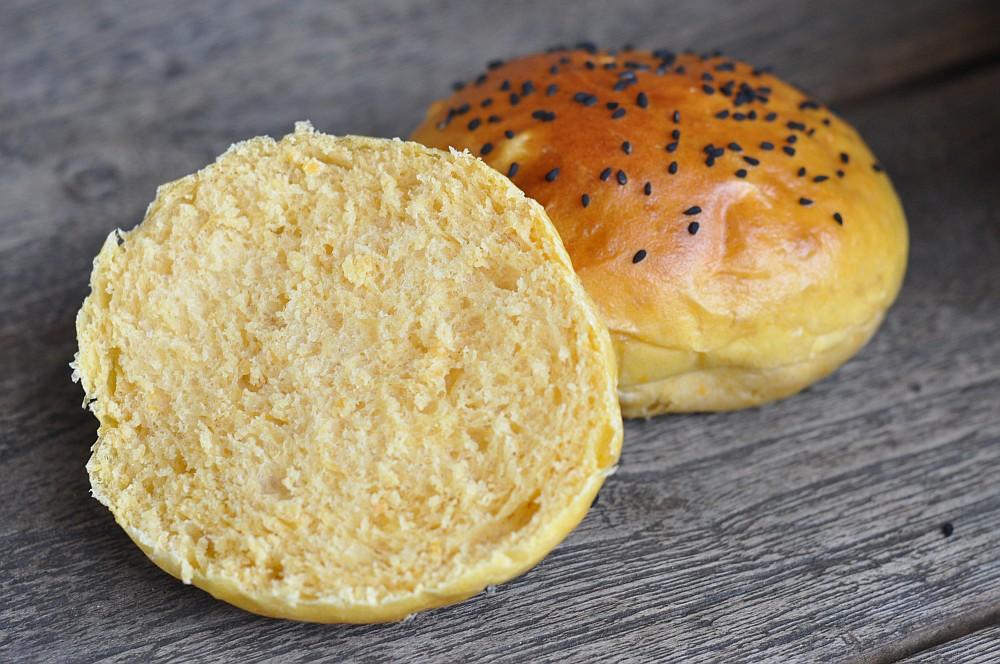 Süßkartoffel Burger Buns süßkartoffel burger buns-SuesskartoffelBurgerbroetchenBuns09-Süßkartoffel Burger Buns – die etwas anderen Hamburgerbrötchen