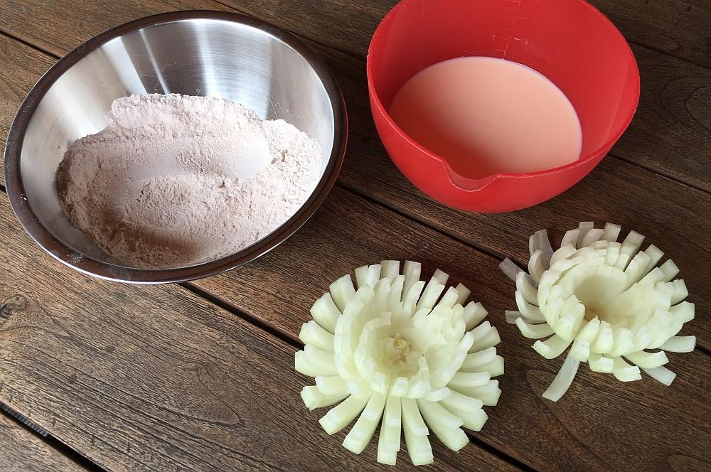 Blooming Onion blooming onion-BloomingOnion07-Blooming Onion – frittierte Zwiebelblüte