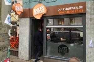 Hamburg Burger-Restaurant dulf's burger-DulfsBurgerHamburg03 300x199-Dulf's Burger in Hamburg im BBQPit-Test