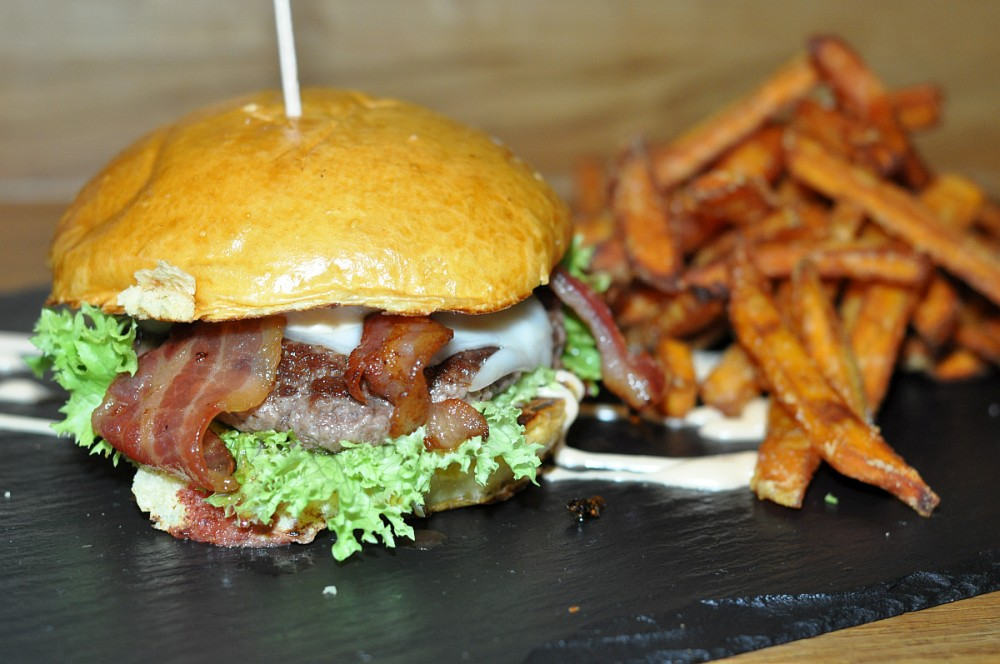 Dulf's Burger Hamburg dulf's burger-DulfsBurgerHamburg05-Dulf's Burger in Hamburg im BBQPit-Test