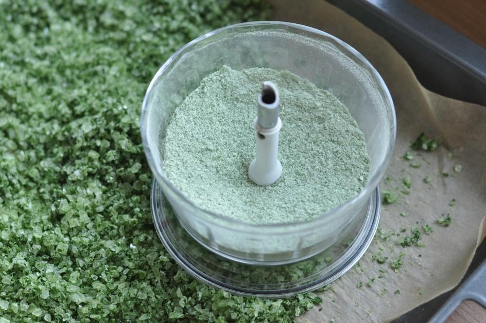 Kräutersalz bärlauch-salz-Baerlauch Salz Kraeutersalz selber machen 04-Bärlauch-Salz – Kräutersalz selber machen