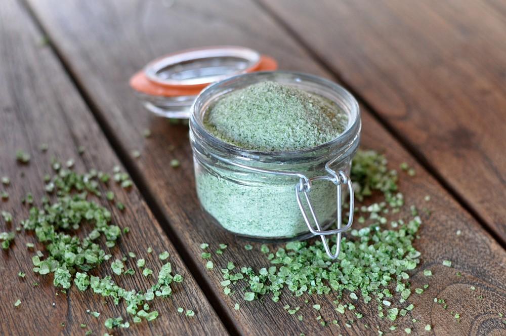 Kräutersalz bärlauch-salz-Baerlauch Salz Kraeutersalz selber machen 05-Bärlauch-Salz – Kräutersalz selber machen