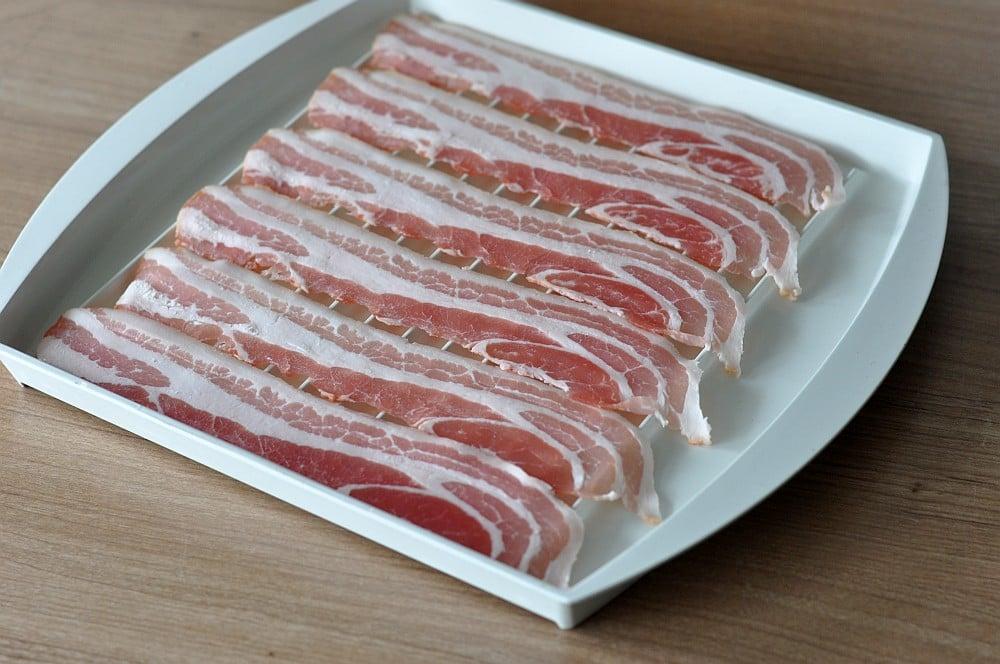 Knuspriger Bacon knuspriger bacon-Knuspriger Bacon Mikrowelle 02-Knuspriger Bacon: In nur 3 Minuten perfekt krosser Speck!