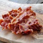 knuspriger bacon-Knuspriger Bacon Mikrowelle 04 150x150-Knuspriger Bacon: In nur 3 Minuten perfekt krosser Speck!
