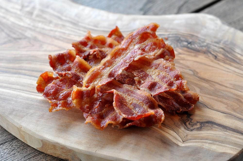 Perfekter Bacon knuspriger bacon-Knuspriger Bacon Mikrowelle 04-Knuspriger Bacon: In nur 3 Minuten perfekt krosser Speck!